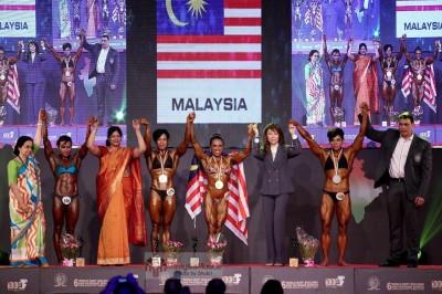 Lilian Tan menang kategori 55kg