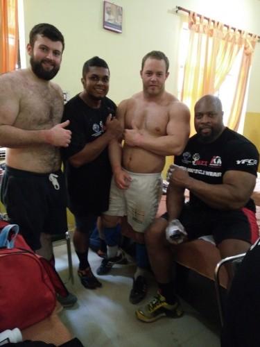 Daripada kiri, Mathew MacCoy daripada Ireland, dan sebelah saya, Tim Enersen daripada Norway dan Mark Felix daripada England. Mereka bertiga atlet yang fasih berbahasa English. Atlet lain berbahasa Russia. Agak sukar nak bergaul rapat. :D