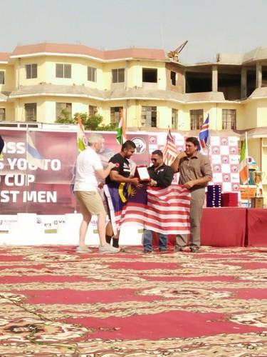 Bendera Malaysia berkibar ketika mengambil saguhati. Terasa bangga di sini walaupun belum menang. InsyAllah, akan datang menang. Kena ada impian besar.