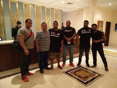 Bersama Atlet dan Persatuan Strongman India. Rekod Bench Press Raw mereka terbaik 325kg, kedua 300kg. Dasyat mereka bench.