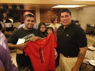 Bersama Presiden WSF yang baru, mr Baba Madhok. Beliau memberi sokongan penuh kepada Malaysia Strongestman Association yang baru ditubuhkan pada bulan 7 tahun lepas.