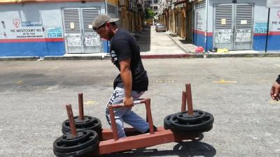 Aiman - Farmers Walk 110kg