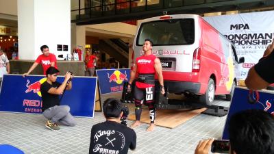 Arif Khalil - Van Deadlift