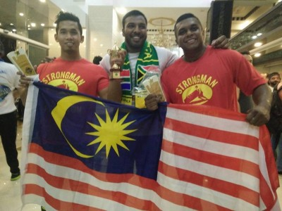 Bersama Kreson Pillay, atlet daripada Afrika